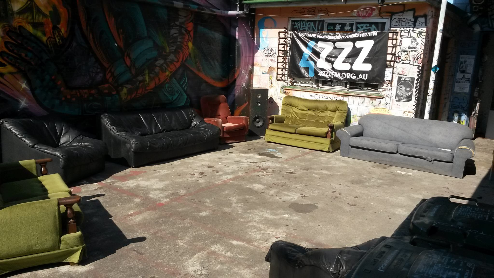 Miraculous What The Hell Is The 4Zzz Brown Couch The Brown Couch Machost Co Dining Chair Design Ideas Machostcouk